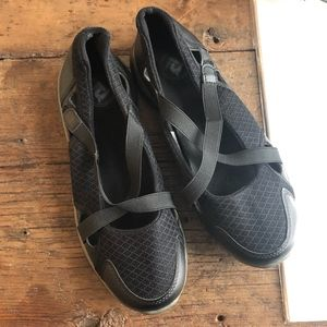 Proper TravelLite Mary Jane Shoes Black 8W